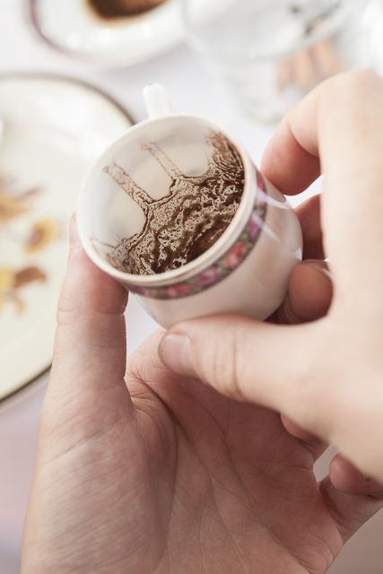 Kaffeesatzlesen_Sladek_Barnard-51